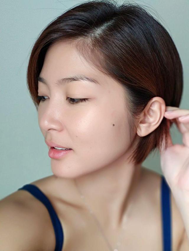Micki-Short-Hair-04_640